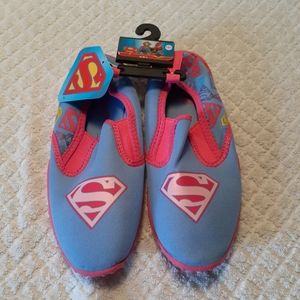 Girls supergirl water shoes 13/1 NWT
